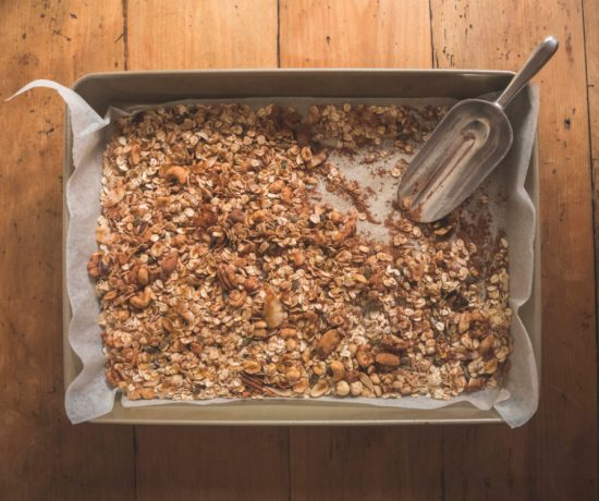 Mother's Day DIY: Chocolate Granola | Eat Yourself Green